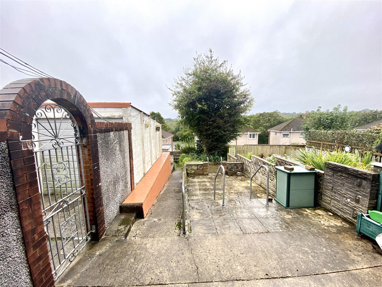 St. David Drive, Killay, Swansea, SA2 7EN